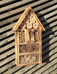 2018-05-04 Insektenhotel